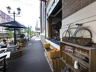 A street cafe in suburban Sydney.